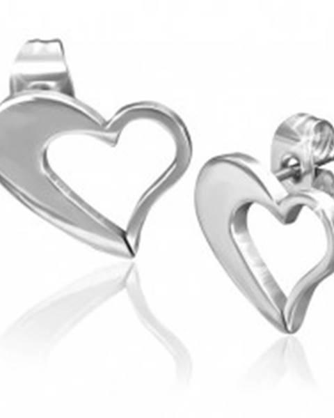 Náušnice z chirurgickej ocele - nepravidelný obrys srdca striebornej farby