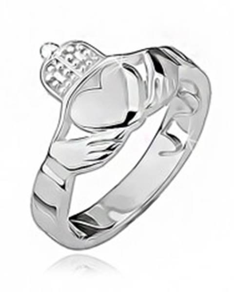 Strieborný prsteň 925 - srdce, ruky, korunka, výrezy po obvode - Veľkosť: 49 mm