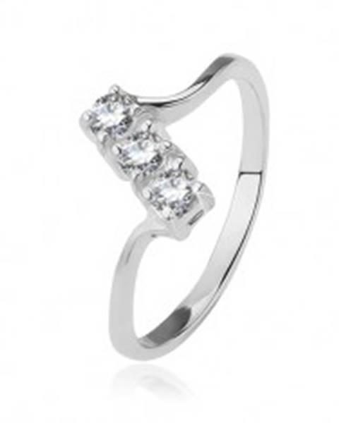 865c26569 Strieborný prsteň 925 - tri číre zirkóny na šikmom páse, lesklé tenké  ramená BB12.