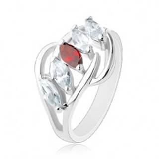 Prsteň s rozdelenými ramenami, lesklé oblúčiky, pás zrniek čírej a červenej farby AC15.29 - Veľkosť: 54 mm