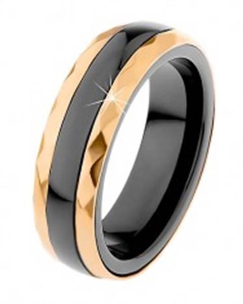 Keramický prsteň čiernej farby, brúsené oceľové pásy v zlatom odtieni H1.3 - Veľkosť: 51 mm
