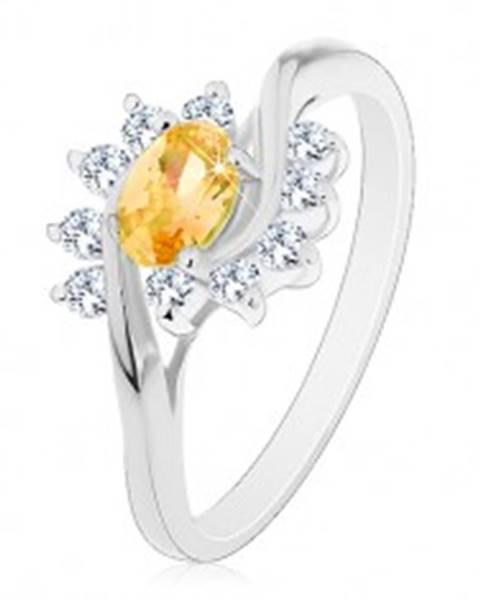 Prsteň v striebornom odtieni, žltý zirkónový ovál, číre oblúky - Veľkosť: 56 mm
