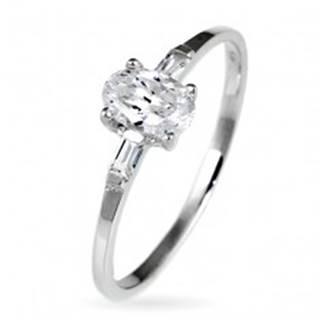 Strieborný snubný prsteň 925 - oválny zirkón a dva malé zirkóny po stranách - Veľkosť: 49 mm