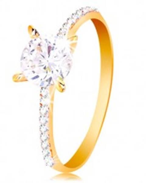 Prsteň zo žltého 14K zlata - okrúhly číry zirkón, tenké zirkónové pásy po stranách - Veľkosť: 50 mm