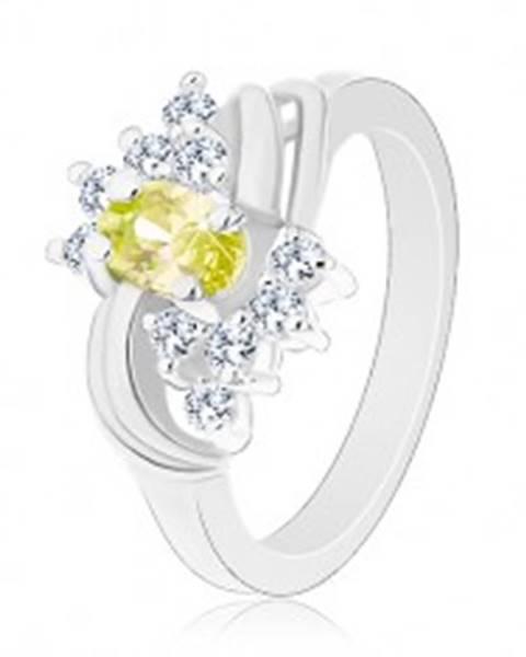Trblietavý prsteň s oválnym zelenožltým zirkónom, hladké lesklé oblúčiky - Veľkosť: 49 mm