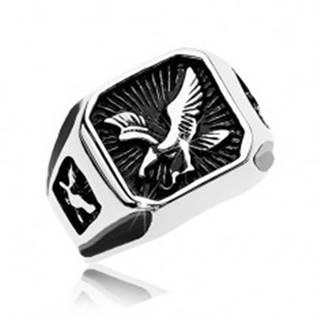 Mohutný prsteň z ocele 316L, čierny patinovaný štvorec s dravým vtákom AB35.09 - Veľkosť: 57 mm