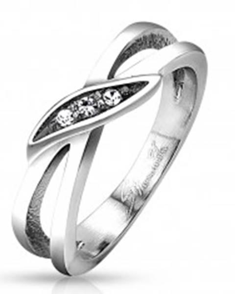 Prsteň z ocele 316L  striebornej farby, rozdelené ramená, číre zirkóny - Veľkosť: 48 mm
