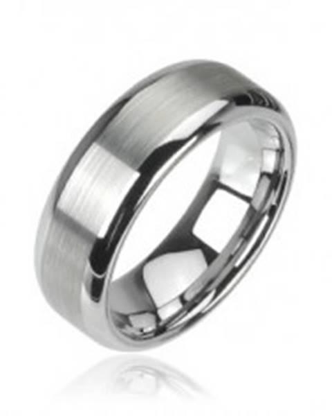 Wolfrámový prsteň striebornej farby, matný stredový pruh a lesklé okraje, 8 mm - Veľkosť: 49 mm