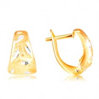 Zlaté 14K náušnice - matný zaoblený trojuholník s lístkami z bieleho zlata