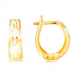 Zlaté náušnice 585 - rozšírený oblúk so zvislými dvojfarebnými zárezmi