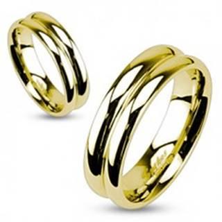 Oceľový prsteň v zlatej farbe so zárezom v strede - Veľkosť: 49 mm