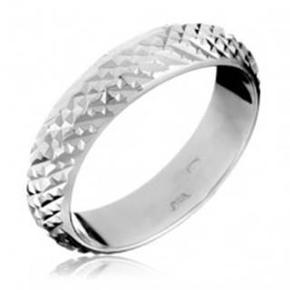 Strieborný prsteň 925 - vystúpené lesklé pyramídky - Veľkosť: 49 mm