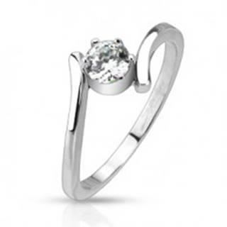 Oceľový prsteň - ohnuté ramená držiace okrúhly číry zirkón - Veľkosť: 49 mm