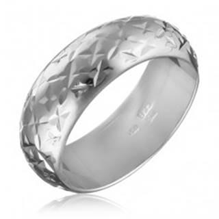 Strieborný lesklý prsteň 925 - gravírované hviezdičky - Veľkosť: 50 mm
