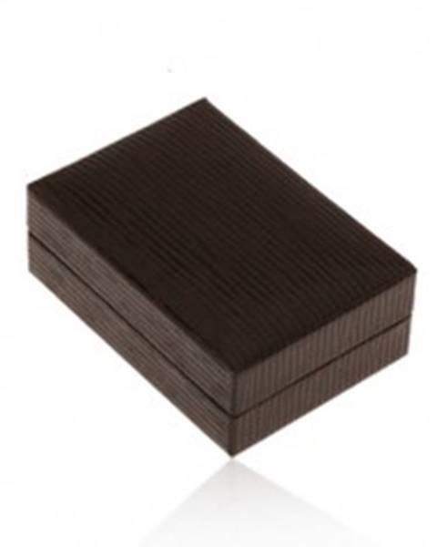 Lesklá koženková krabička na náušnice, povrch hnedej farby so zárezmi Y49.15