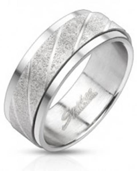 Oceľový prsteň - pieskovaný pás so šikmými ryhami - Veľkosť: 58 mm