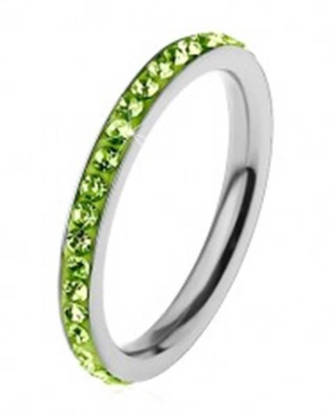Prsteň z ocele 316L v striebornej farbe, zirkóniky v svetlozelenom odtieni - Veľkosť: 49 mm