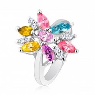 Prsteň v striebornom odtieni zdobený farebnými a čírymi zirkónmi - Veľkosť: 48 mm