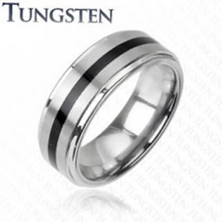 Wolfrámový prsteň striebornej farby - čierny stredový pás H10.1 - Veľkosť: 49 mm
