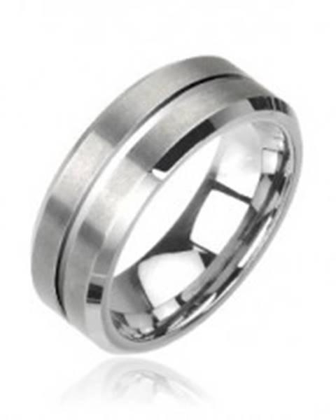 Wolfrámový prsteň v striebornej farbe, brúsený - Veľkosť: 49 mm