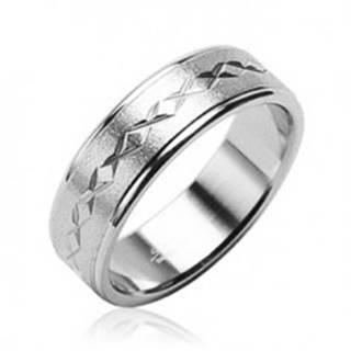 Prsteň z chirurgickej ocele matný, hviezdičky - Veľkosť: 48 mm
