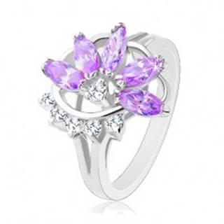 Lesklý prsteň striebornej farby, fialový zirkónový kvet, číre zirkóniky - Veľkosť: 48 mm