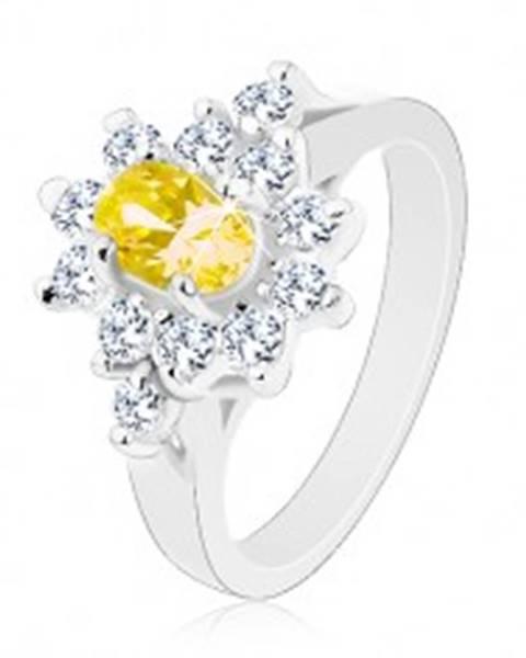 Ligotavý prsteň, oválny zirkón žltej farby, kontúra z čírych zirkónikov R30.17 - Veľkosť: 49 mm