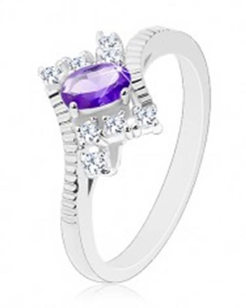 Trblietavý prsteň v striebornom odtieni, fialový ovál, číre zirkóny G04.07 - Veľkosť: 49 mm