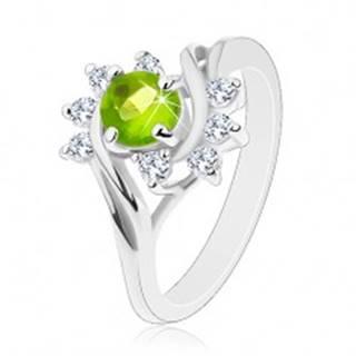 Lesklý prsteň so striebornou farbou, oblúky čírych zirkónov, svetlozelený zirkón G07.10 - Veľkosť: 49 mm