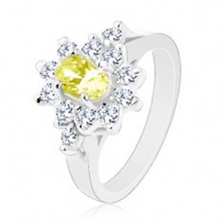Ligotavý prsteň, oválny zirkón svetlozelenej farby s čírou obrubou - Veľkosť: 59 mm