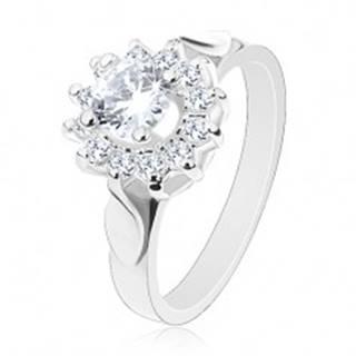 Ligotavý prsteň striebornej farby, číry zirkónový kvet, lístky po stranách - Veľkosť: 49 mm