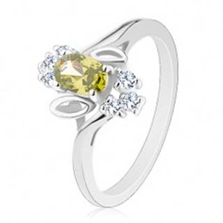Prsteň v striebornom odtieni, svetlozelený brúsený ovál, lístočky, číre zirkóny R30.16 - Veľkosť: 54 mm