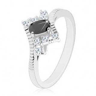 Ligotavý prsteň v striebornej farbe, brúsený čierny ovál, číre zirkóny - Veľkosť: 52 mm