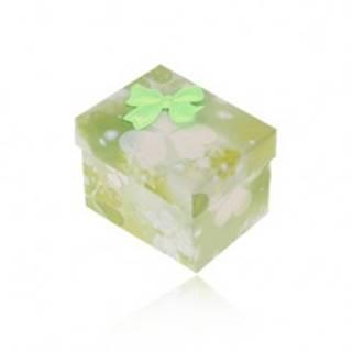 Zeleno-biela krabička na prsteň alebo náušnice, potlač trojlístkov, mašlička